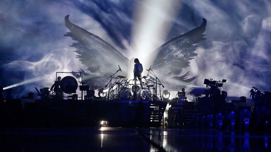 IMAGE: X Japan Group Photo 3 – stage with wings background